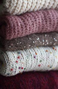 zimowe, ciepłe swetry
