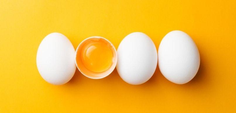 ile gotować jajka na miękko na twardo w koszulkach sos holenderski